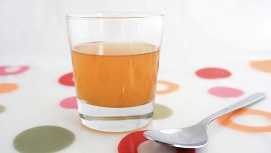 bicchiere-aceto-di-mele